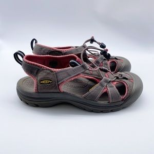 Keen Closed Toe Venice Outdoor Sandals Size 8.5